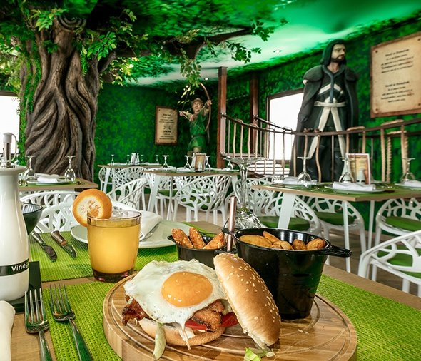 Themed restaurants magic robin hood holiday park alfaz del pi