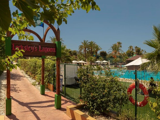 Outdoor swimming pool magic robin hood holiday park alfaz del pi