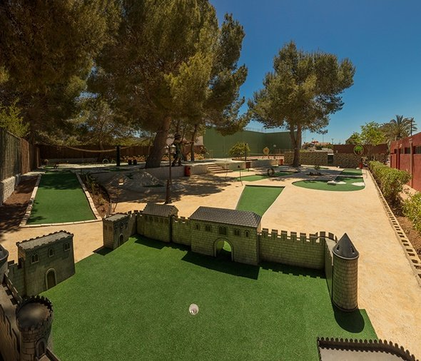 Minigolf magic robin hood holiday park alfaz del pi